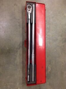"""CDI TORQUE PRODUCTS Steel Torque Wrench,1""""Dr,200-1000 ft.-lb.,70""""L, 10005MFRMH"""