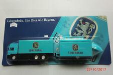 1:87-LKW-MAN-mit Ausschank-Wagen-Sonnenschirm Löwenbäu neuwertig in OVP Nr.082/4