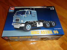 GMC ASTRO 95 TRACTOR TRUCK AMT ERTL 38164 MODEL KIT PLASTIC 1/25 OPEN UNSTARTED