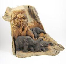 Famille d'Eléphants dans la forêt sur Souche de Teck - 34 cm