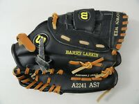 "Baseball/Softball Glove Wilson A2241- AS7 Left Hand 11"" Pro Pleat Right Thrower"