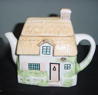 PREJECTING 2500 LIMITED THATCHED ROOF HOUSE TEAPOT TEA POT CERAMIC vtm