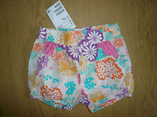 A BNWT H & M Baby Girl Floral Cotton Shorts - 2-4 Months - Cute!