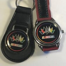 VINTAGE COLLECTIBLE WRISTWATCH NASCAR RACING CAR WATCH BLACK RED KEYCHAIN FLAGS