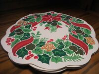 Set (4) Christmas Holiday Placemats Scalloped Edges Wreath Shaped Home Decor  59