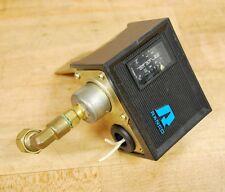 Ranco O16-SPDT Pressure Control Swtich, 125/250vac FLA 20, LRA 80 - USED
