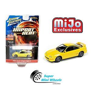 Johnny Lightning Import Heat 2001 Acura Integra Type R (Yellow)  1:64