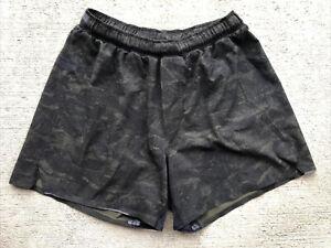 "Lululemon Men's Surge Short 5"" Medium Linerless Camo Green Black"