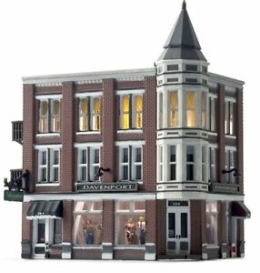 N Scale - DAVENPORT DEPARTMENT STORE - LED Light - Assembled  - WOO-BR4938 A