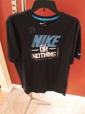 New Men's Nike Short Sleeve T-Shirt, Size X-Large  –   Dri Fit