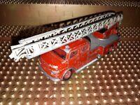 Siku Spielzeugauto Feuerwehrauto V 261 Mercedes Benz Metz DL30h Drehleiter LKW