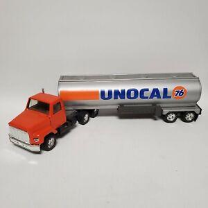 Ertl International Harvester Unocal 76 Gas Oil Tanker Semi Truck #3605 Steel Toy