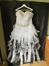 Alternative Black & White Sweetheart Ruffle Skirt Full Length Wedding Dress 16