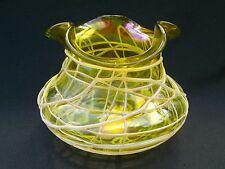 Antico KRALIK Venato Trifoglio iridescente Bohemien Jugendstil Vaso di cristallo