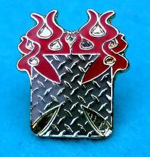 ZP115 Burning Maltese Cross Iron Cross Biker Motorcycle Pin Badge German Gothic