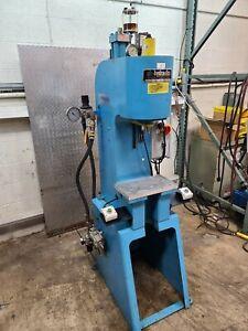 Air-Hydraulics C-400A 10 Ton Hydraulic Press