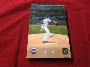 2019 New York Mets Baseball Media Guide MINT