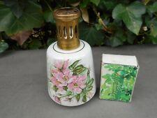 Lampe berger vintage en porcelaine de Limoges Charles Ahrenfeldt décor floral