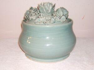 Soup Tureen with Six Bowls, Artichoke Motif, Color Celadon