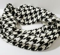NWT New Cejon Scarf Infinity Loop Houndstooth Black and White Patterned Soft