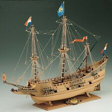 Corel Half Moon SM18 kit nave in legno scala 1:50