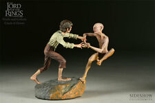 Lord of the rings The Crack of Doom - Frodo and Gollum Sideshow statue.  Hobbit
