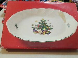 "Nikko Happy Holidays Small TRAY RELISH 9"" Christmas Tree with Star & Presents"