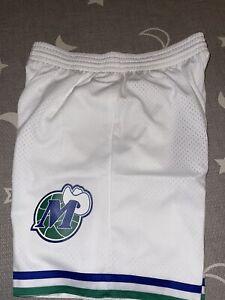 Dallas Mavericks HWC Mitchell & Ness Swingman Shorts XL