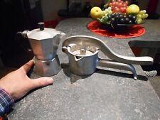 Petite Ancienne Cafetière en Aluminium A Bialetti Presse Agrume Pamplemouss Luxe
