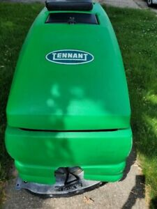 Tennant 5680 self drive Floor Scrubber