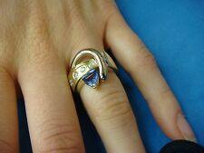 14 K. 2 TONE TANZANITE AND DIAMONDS FREE STYLE BEAUTIFUL RING 14K GOLD