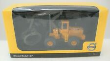 NIB Hobby & Work Diecast 1/87 Volvo L180C Timber Grapple Construction Vehicle