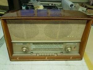 SABA Freudenstadt 12, Röhrenradio.