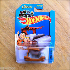2014 Hot Wheels THE FLINTMOBILE 83/250 HW CITY diecast Mattel THE FLINTSTONES