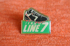 07484 PINS PIN'S LINE 7 CHAUSSURES SPORT FOOT FOOTBALL