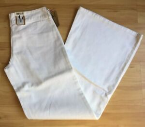 NWT Levi Strauss Vintage White Wide Leg Womens Jeans Waist 27 or 28 ins L 33 ins