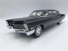 Cadillac Fleetwood Series 75  1967  schwarz  1:18 BOS      >>NEW<<
