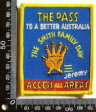 VINTAGE THE SMITH FAMILY DAY EMBROIDERED SOUVENIR PATCH WOVEN CLOTH SEW-ON BADGE