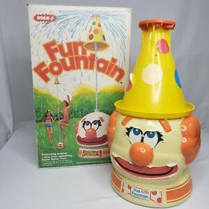 Vtg 1977 Wham-O Fun Fountain Clown Hat Sprinkler Spinning Hat with Box Water Toy
