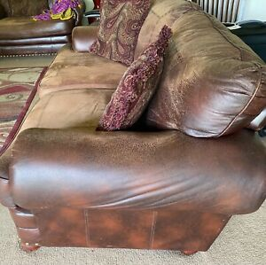 leather love seat & Coffee Table