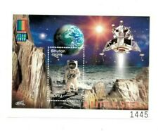 SPECIAL LOT Bhutan 2000 1293 - Stamp Expo Astronaut - 25 Souvenir Sheets - MNH