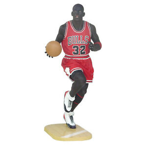 Life Size Basketball Player Sporting Figure Indoor Outdoor Promotional Statue