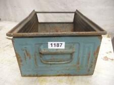 1187. Alte Metall Kiste Stapelkiste