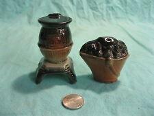 Vintage Pot Bellied Stove Coal Bucket Salt and Pepper Shakers Ceramic         32