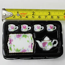 A23-28 1/6th Scale Crazy Owners Maggie Maid - Tea Set