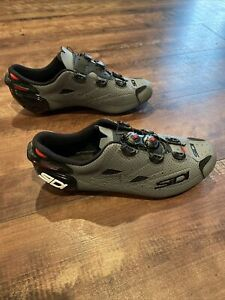 Sidi Cycling Shoes, SZ 44, Vent Carbon Sole, Made In Italy, Black/gray/red