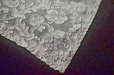 New listing Delicate Vintage Alencon Lace Runner Tt578