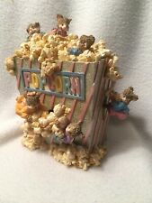"""Music Box - Mice Playing in a Box of Popcorn - Animated - """"The Entertainer"""""""