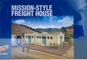 Walthers HO Cornerstone Mission Style Freight House new unopened