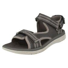Sandali e scarpe casual grigio con a strappo per il mare da uomo
